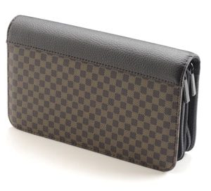 med-brown-checkered-case