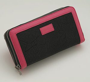 med_accessories_8pinkcase